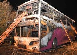 """Çində 2 mərtəbəli tur avtobusu alışdı: <span class=""""color_red"""">26 nəfər yanıb öldü - FOTO</span>"""