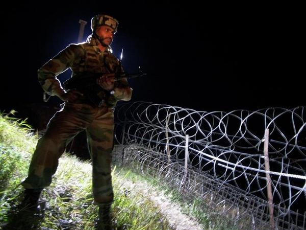 Pakistan Hindistanla sərhəddə hava hücumundan yaxın mənzilli müdafiə sistemləri quraşdırıb