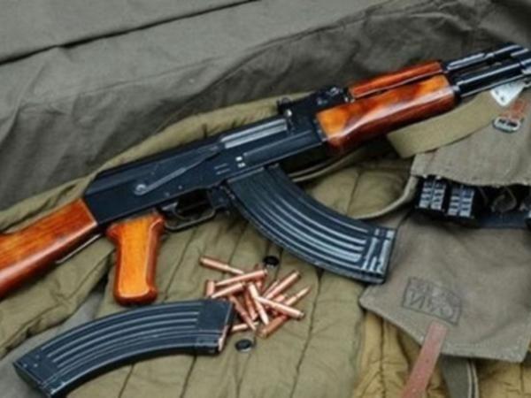 "Ukrayna polisi ""Kalaşnikov""dan imtina edir"