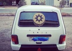 """Yol polisindən maşına gerb yapışdıranlara <span class=""""color_red"""">XƏBƏRDARLIQ</span>"""