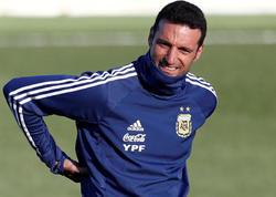 """Argentina millisinin baş məşqçisini maşın vurdu - <span class=""""color_red"""">Vəziyyəti ağırdır</span>"""