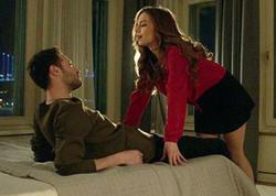 """Türk serialında bəkarət pozma səhnəsi qalmaqal yaratdı - <span class=""""color_red"""">VİDEO</span>"""