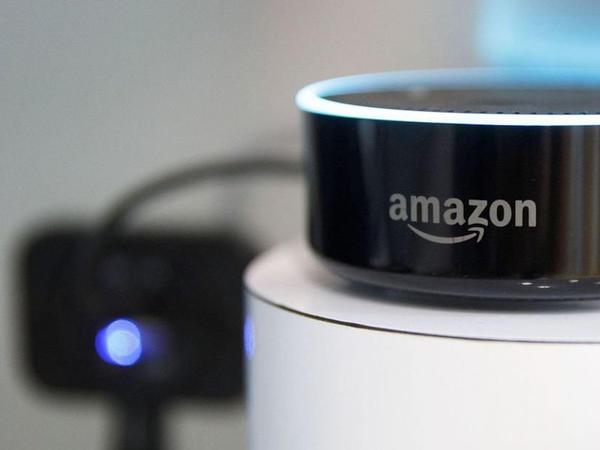 Amazon əməkdaşları Alexa-dakı danışıqlara qulaq asırlar