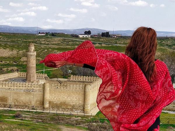 XI-XIV əsrlərə aid memarlıq incisi Pir Hüseyn Xanəgahına FOTOSƏYAHƏT