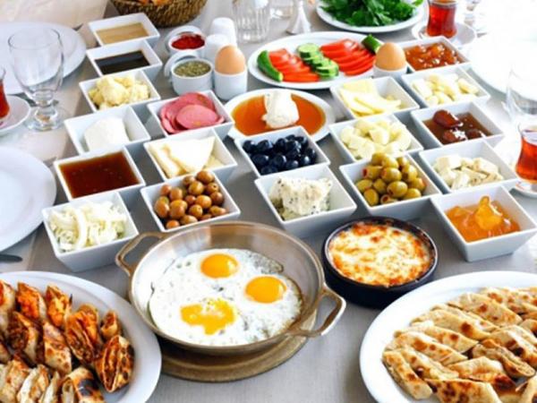 Səhər yeməyi vitamin və proteinlərlə zəngin olmalıdır