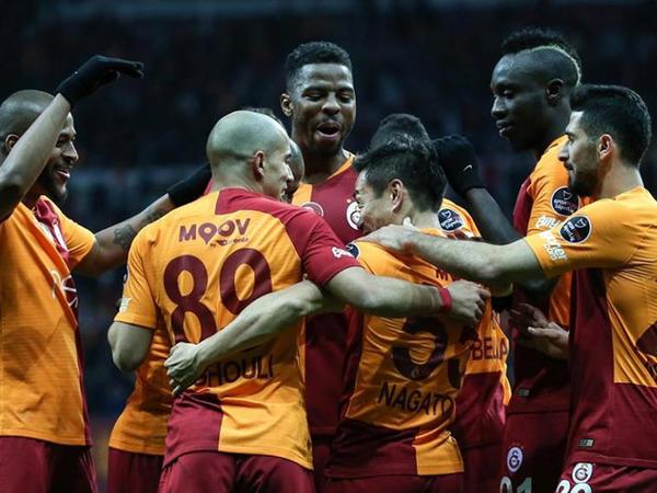"""""""Qalatasaray"""" və """"Trabzonspor""""dan qələbə"""