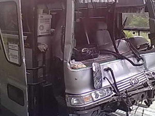 """Qazaxıstanda avtobus qəzası olub - <span class=""""color_red"""">11 ölü, 29 yaralı</span>"""