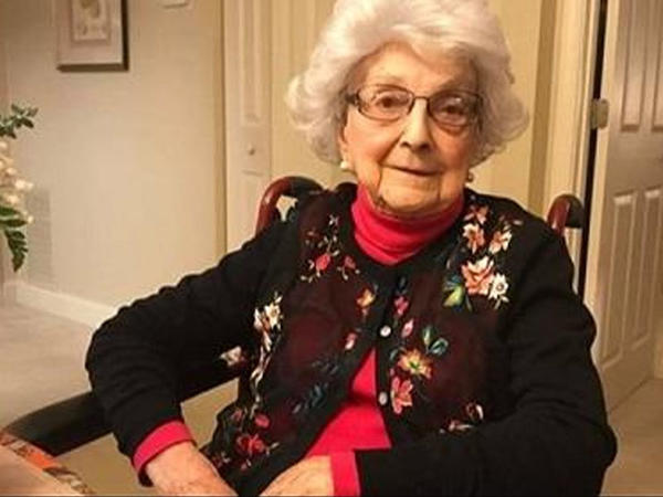 """109 yaşlı qadının qeyri-adi ənənəsi - <span class=""""color_red"""">Hər cümə bir qədəh şərab...</span>"""