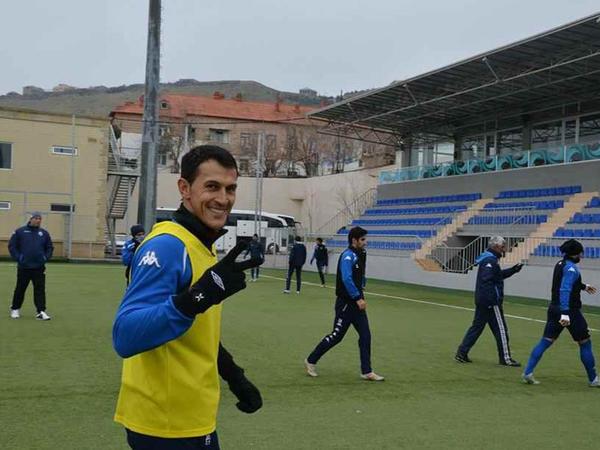 Azərbaycanlı futbolçu Bakıda döyüldü