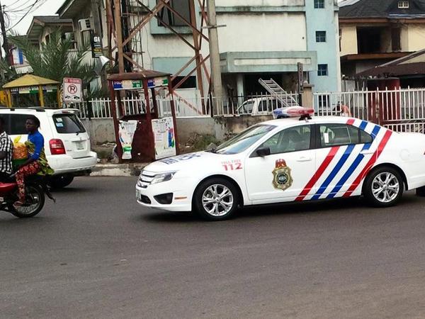 """Nigeriyada polis avtomobili insanların üzərinə sürüb: <span class=""""color_red""""> 8 ölü, 30 yaralı</span>"""