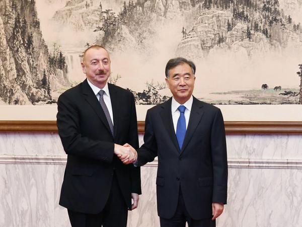 Prezident İlham Əliyev Çin Kommunist Partiyası Mərkəzi Komitəsi Siyasi Bürosunun üzvü Van Yanla görüşüb - YENİLƏNİB - FOTO