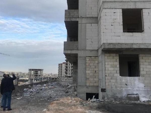 """Əl-ələ tutub binadan atladılar - """"Mavi balina"""" şübhəsi - FOTO"""