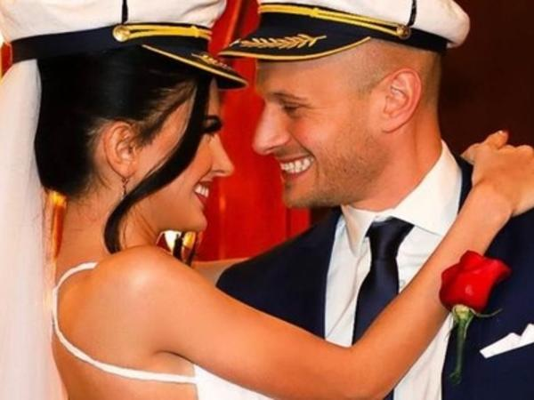Qalmaqallı azərbaycanlı model amerikalı pilotla evləndi - FOTO