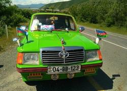 """65 yaşlı sürücü qəribə avtomobili ilə <span class=""""color_red"""">Azərbaycanı gəzir - FOTO</span>"""