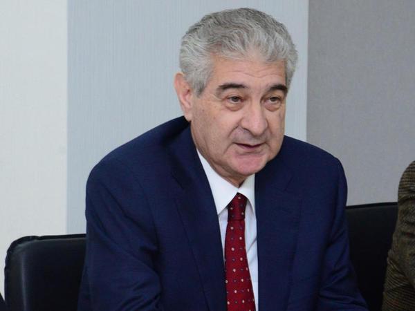 """Əli Əhmədov: """"Azərbaycan hökuməti gənclərin bu günü və gələcəyi uğrunda böyük işlər görür"""""""