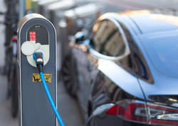 """Satılan hər 2 avtomobildən 1-i elektrikli olacaq - <span class=""""color_red""""> PROQNOZ</span>"""