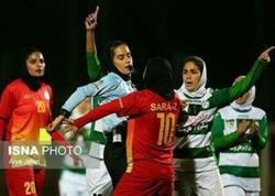 """İranda futbol oyununda qadınlar arasında dava düşüb - <span class=""""color_red"""">VİDEO</span>"""