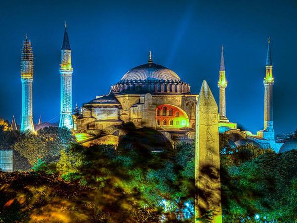 İstanbuldakı Ayasofya məscidinin sirləri - VİDEO - FOTO