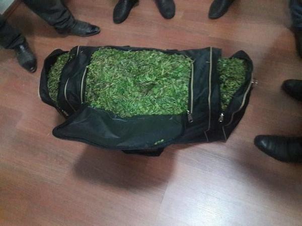 Şəki sakini bir çanta narkotiklə tutuldu