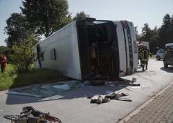 Almaniyada avtobus aşıb, ölən və yaralananlar var