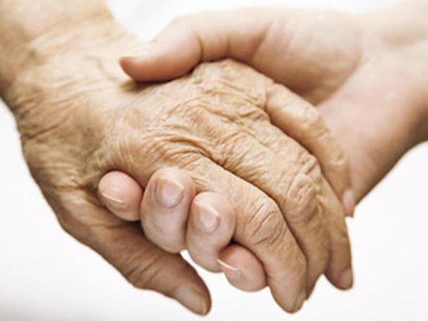 Azərbaycanda yaşlı valideynlərin övladlarından maliyyə asılılığını azaltmaq təklif edilir