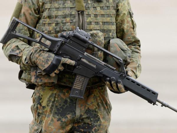 İsveçrə əhalisi silah satışı və saxlanılması ilə bağlı qanunların sərtləşdirilməsinə tərəfdardır