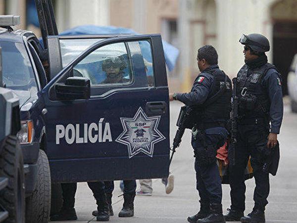"""Meksika ştatlarında atışmalar: <span class=""""color_red"""">10 nəfər ölüb</span>"""
