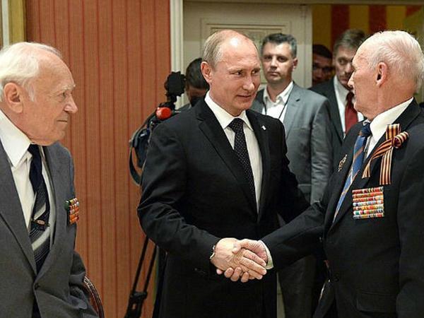 Putin 84 yaşlı əmək veteranını əfv etdi