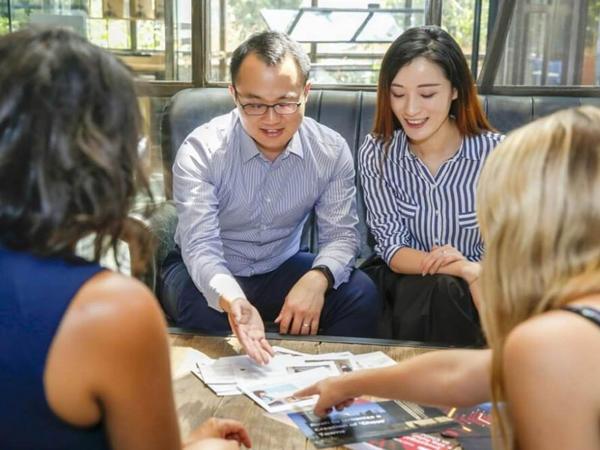 Çinlilər Macarıstanda daşınmaz əmlak alırlar