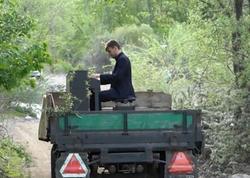 """Azərbaycanlı pianoçu traktorun üstündə konsert verdi - <span class=""""color_red""""> FOTO</span>"""