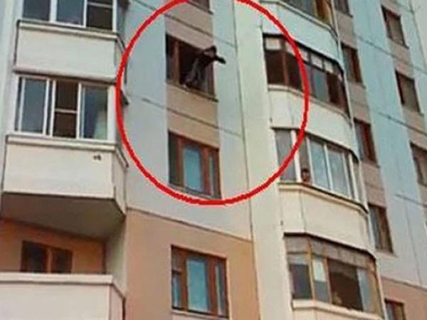 Bakıda dəhşət: imtahanda az bal toplayan yeniyetmə özünü binadan atdı - YENİLƏNİB