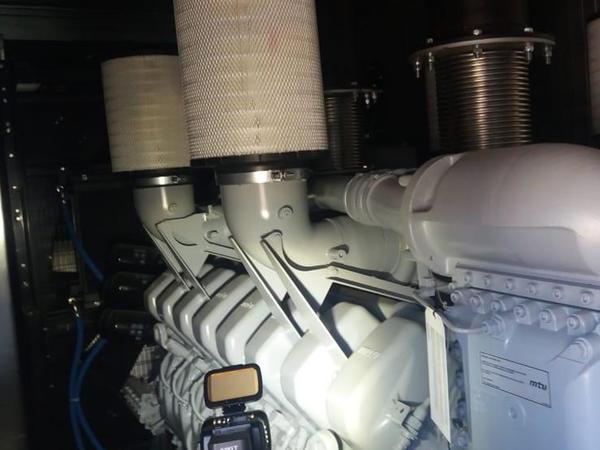 Metronu elektriklə təmin etmək üçün generatorlar quraşdırılıb