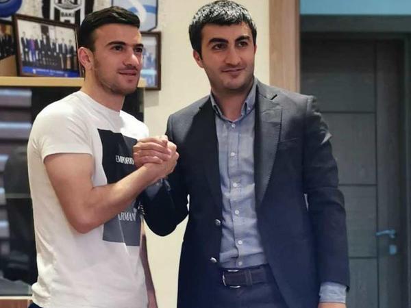 """""""Qarabağ"""" Qara Qarayevlə yeni müqavilə imzaladı"""