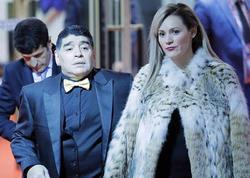 Rəfiqəsi Maradonadan 6,3 milyon dollar tələb edir