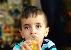 """Ana oğlunu """"Vosmoy bazarı""""nda atıb qaçdı - <span class=""""color_red"""">FOTO</span>"""