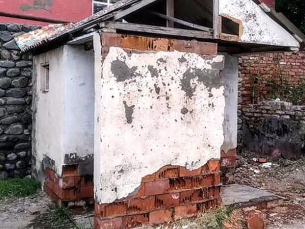 Məktəb tualeti adı ilə yayılan fotolar yalan çıxdı - YENİLƏNİB - FOTO