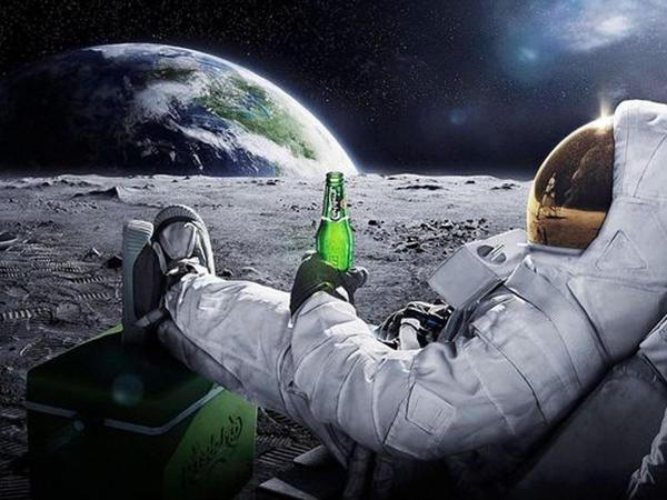 Kosmosda spirtli və qazlı içki niyə qadağandır?