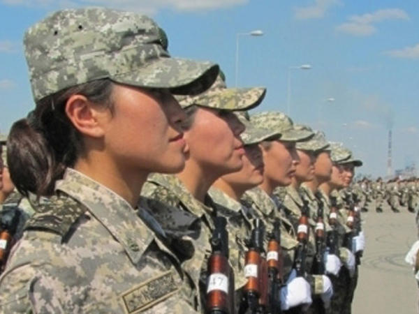Türkiyədə qadınların hərbi xidmət keçməsi təklif olunub