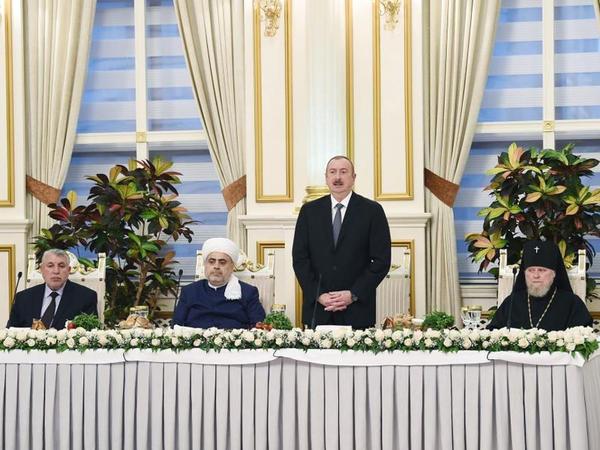 """Azərbaycan Prezidenti: """"Əsas vəzifəmiz sabitliyi qorumaq, xalqın rifahını yaxşılaşdırmaq və ölkəmizi mümkün olan risklərdən qorumaqdır"""""""