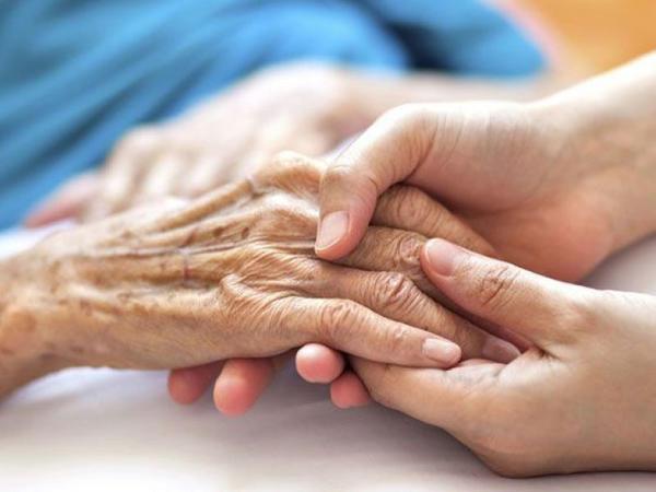 BƏƏ-nin parlamenti yaşlı insanların hüquqlarının qorunması haqqında qanun layihəsini bəyənib