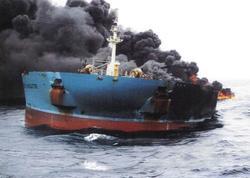 """Honkonq gəmisi Tailandda yandı: <span class=""""color_red"""">50 yaralı</span>"""