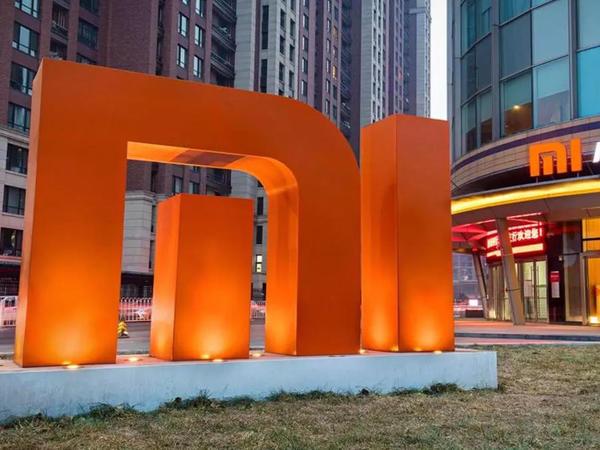 """«Huawei» davam gətirəcəyini deyir, sırada «Xiaomi»dir – <span class=""""color_red"""">SANKSİYALAR QIZIŞIR</span>"""