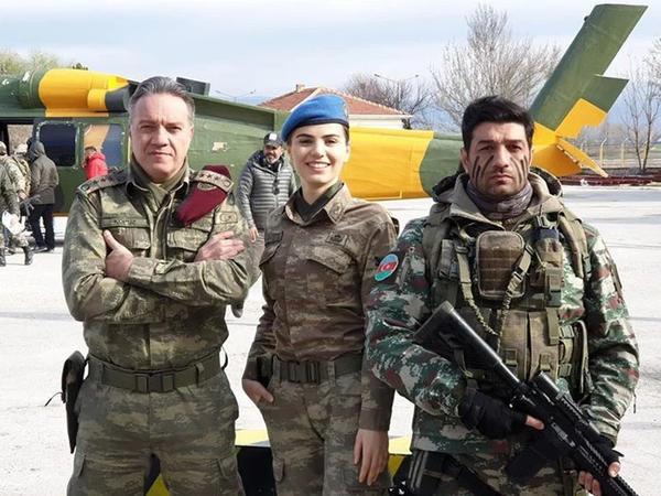 """""""Savaşçı""""nın mövsüm finalında Azərbaycan bayrağı dalğalandırıldı - FOTO"""