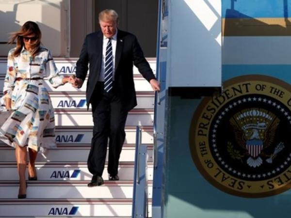 Donald Tramp Yaponiyada...