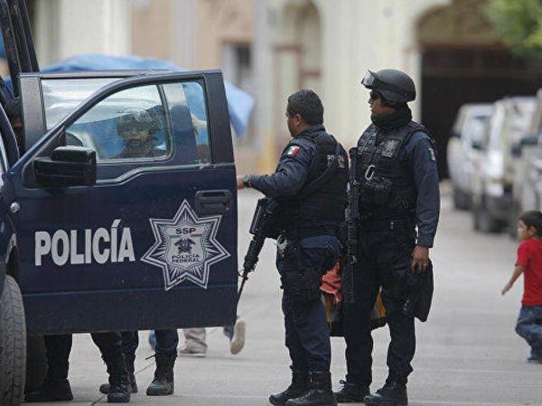 """Meksikada ailə şənliyi iştirakçılarına hücum: <span class=""""color_red"""">5 ölü, 3 yaralı</span>"""