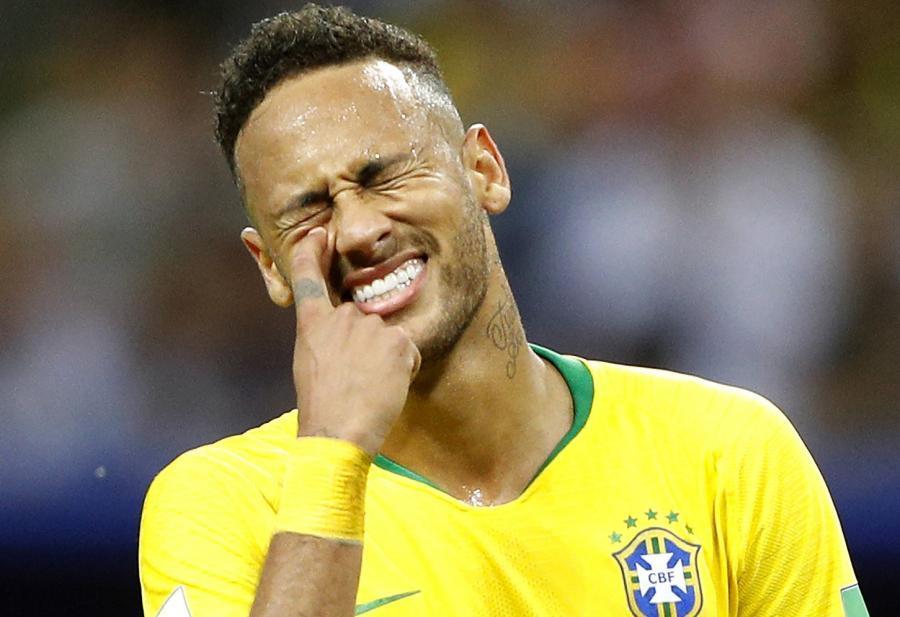 Neymar zədələndi və ağladı - FOTO