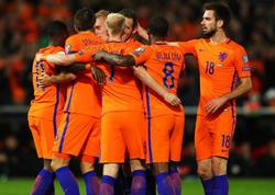 Hollandiya geridönüşlə finalda