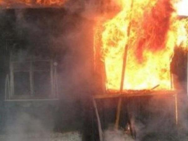 3 otaqlı ev yandı