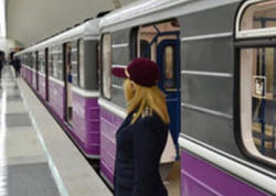 Bakı metrosunda maraqlı hadisə - VİDEO
