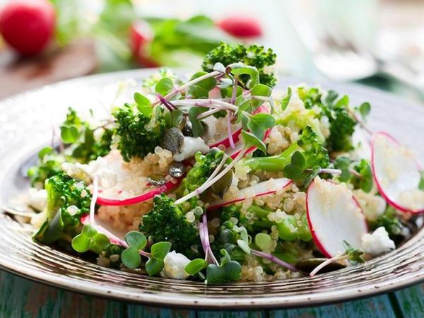 Gül kələmi və brokollidən salat - Uşaqlara da hazırlayın